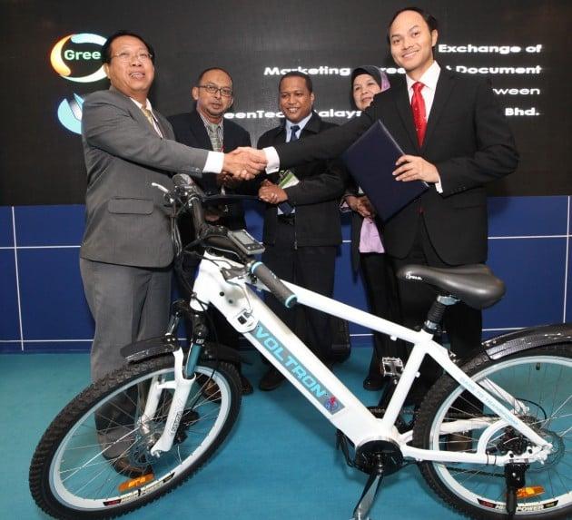 greentech-malaysia-voltron-mou-igem-2015