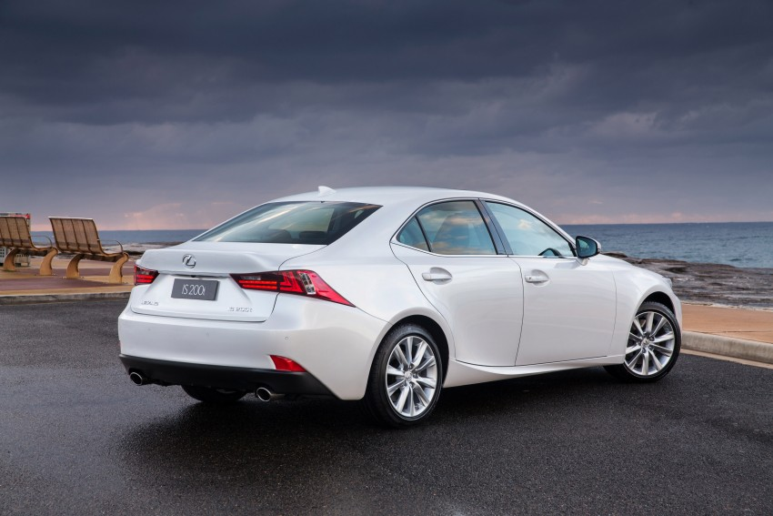 Lexus IS 200t specs listed on Lexus Malaysia's site Image #383046