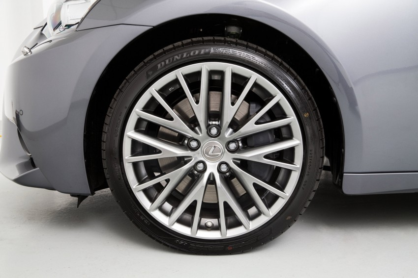 Lexus IS 200t specs listed on Lexus Malaysia's site Image #383053