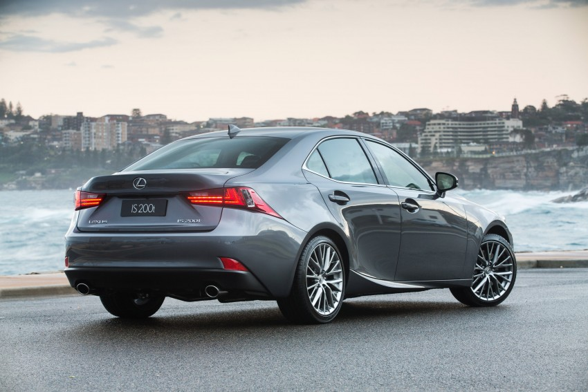 Lexus IS 200t specs listed on Lexus Malaysia's site Image #383058