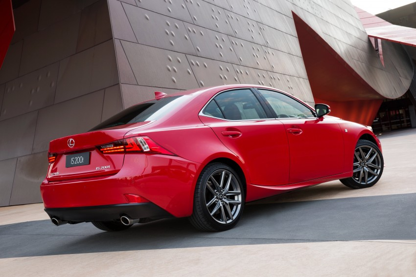 Lexus IS 200t specs listed on Lexus Malaysia's site Image #383103