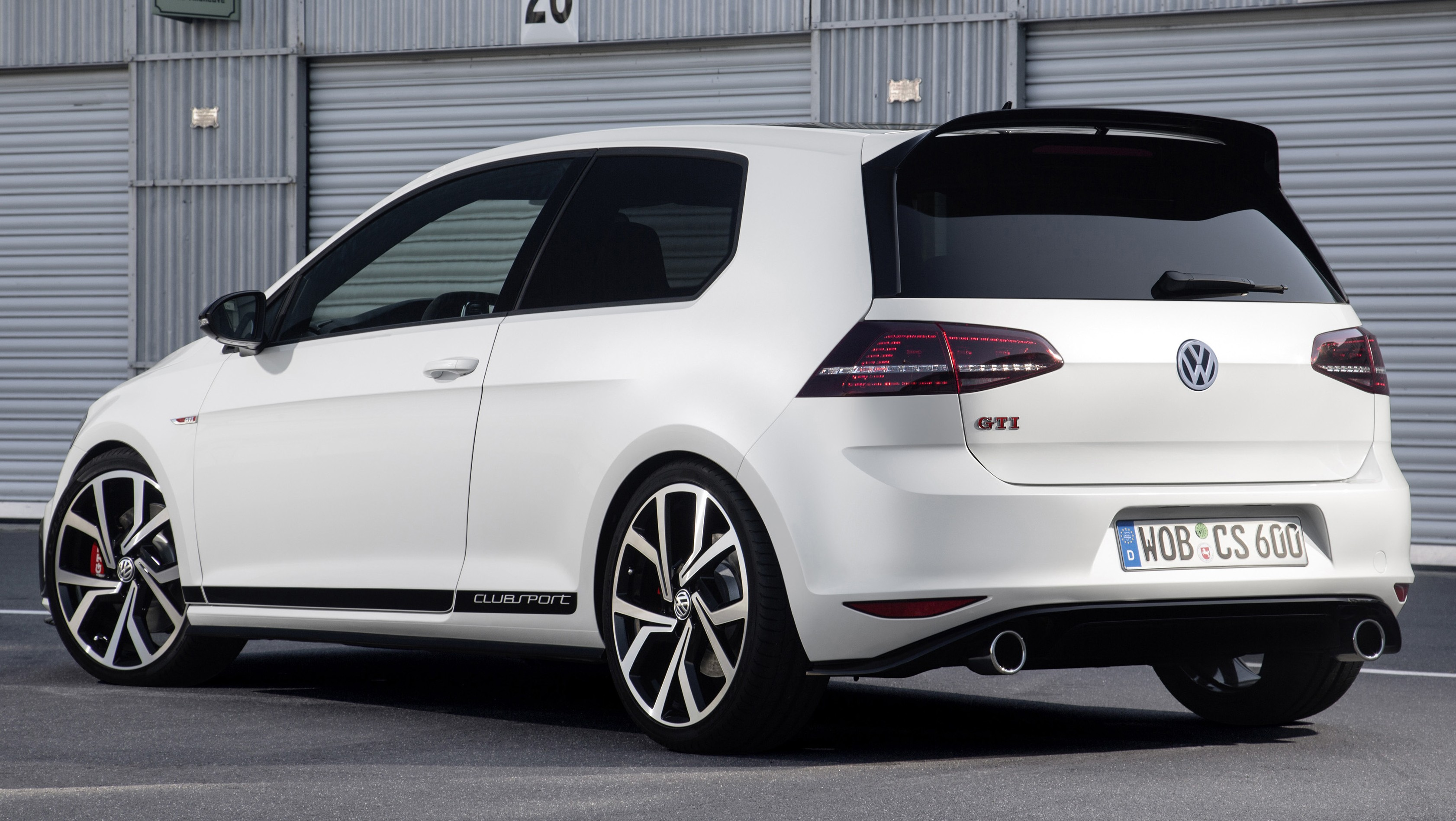 volkswagen golf gti clubsport unveiled celebrates 40th. Black Bedroom Furniture Sets. Home Design Ideas