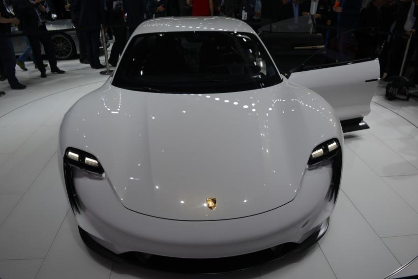 Frankfurt 2015: Porsche Mission E Concept revealed Image #381239