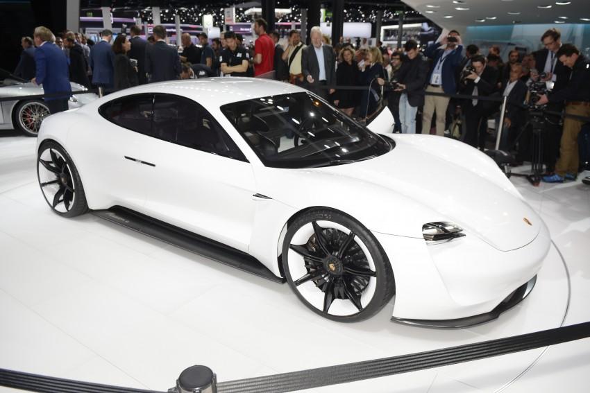 Frankfurt 2015: Porsche Mission E Concept revealed Image #381246