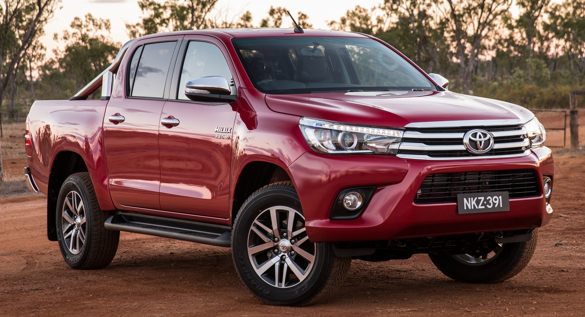 2016 toyota hilux australian specs variants detailed. Black Bedroom Furniture Sets. Home Design Ideas