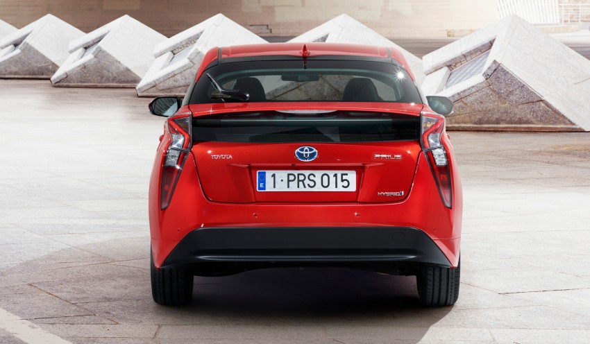 2016 Toyota Prius officially unveiled – 4th-gen hybrid promises improved fuel economy, ride and handling Image #377687