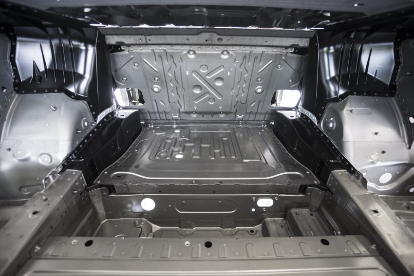 MEGA GALLERY: G11 BMW 7 Series in detail Image #391447