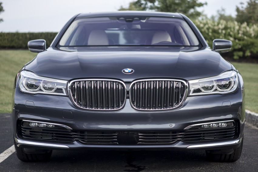 MEGA GALLERY: G11 BMW 7 Series in detail Image #391463