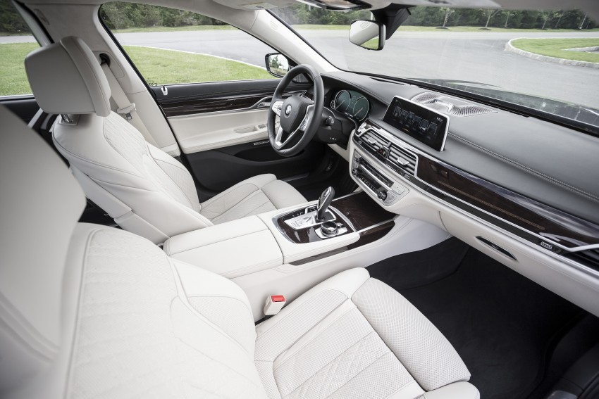 MEGA GALLERY: G11 BMW 7 Series in detail Image #391473