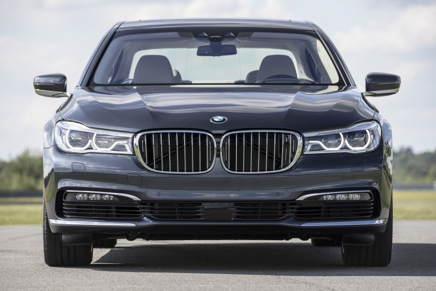 MEGA GALLERY: G11 BMW 7 Series in detail Image #391500