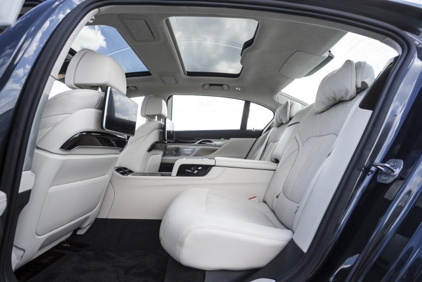 MEGA GALLERY: G11 BMW 7 Series in detail Image #391514