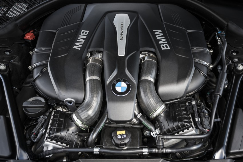 MEGA GALLERY: G11 BMW 7 Series in detail Image #391530