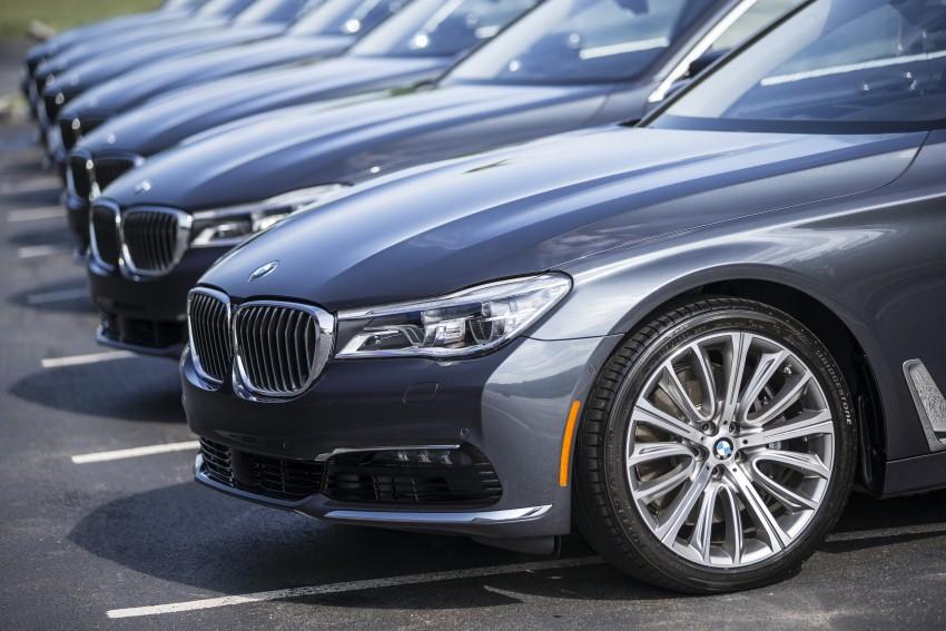 MEGA GALLERY: G11 BMW 7 Series in detail Image #391543