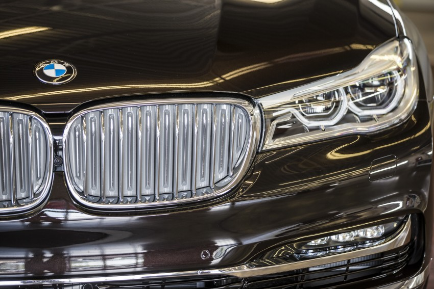 MEGA GALLERY: G11 BMW 7 Series in detail Image #391550