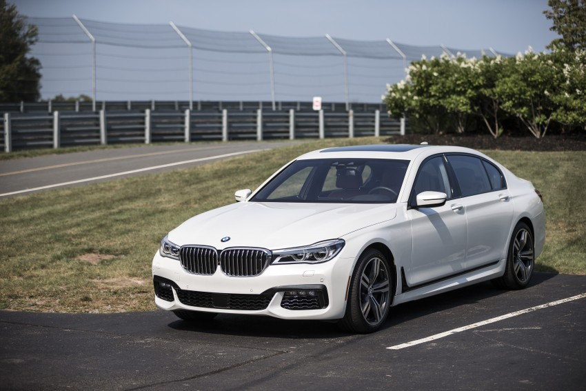 MEGA GALLERY: G11 BMW 7 Series in detail Image #391597