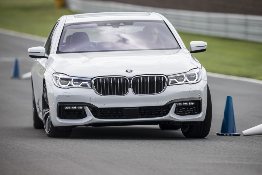 MEGA GALLERY: G11 BMW 7 Series in detail Image #391674