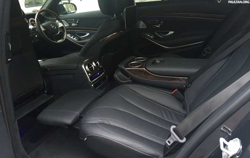 Battle of the lounge seats: W222 Mercedes-Benz S-Class and G11 BMW 7-Series rear seats compared Image #376569