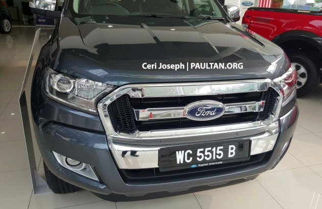 2015-ford-ranger-facelift-spied-in-showrooms-2
