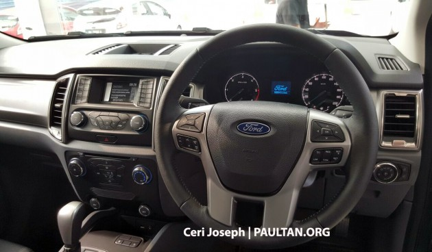2015-ford-ranger-facelift-spied-in-showrooms-3