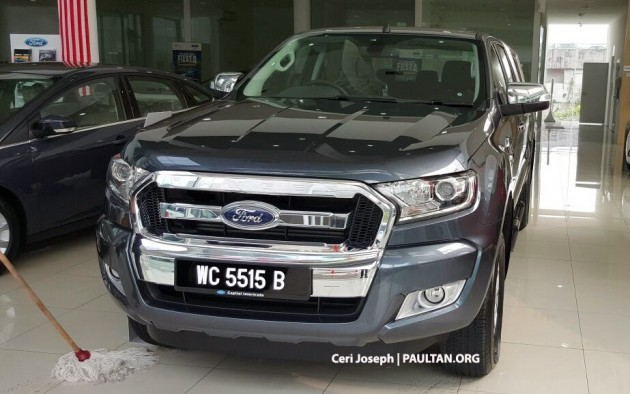 2015-ford-ranger-facelift-spied-in-showrooms-5