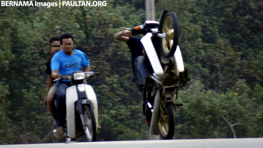 """Mat Rempits"" jailed, fined RM5,000 for illegal wheelies Image #388368"
