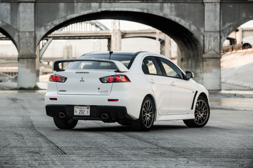 Farewell to Mitsubishi Evo X with 303 hp Final Edition Image #388263