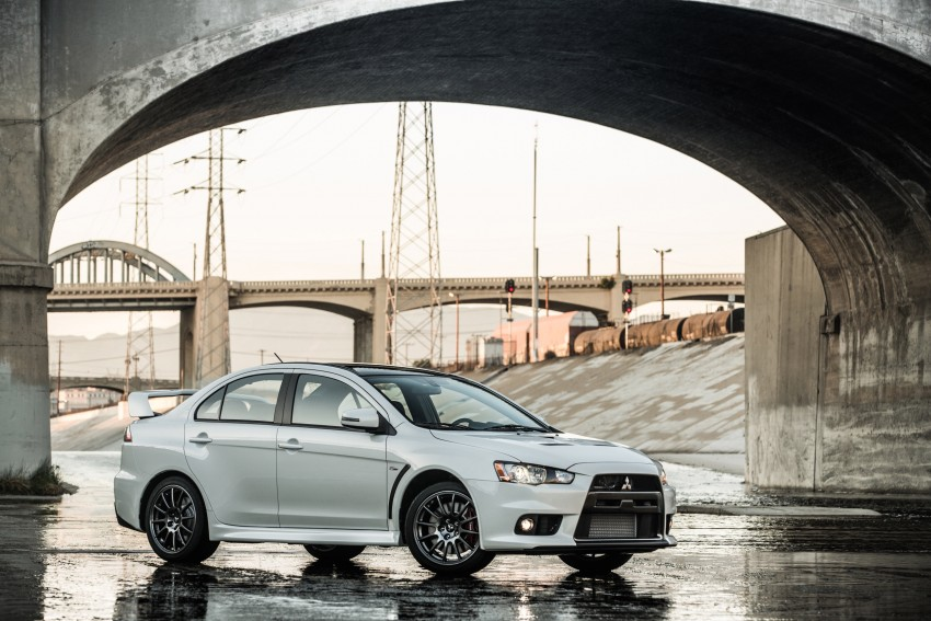 Farewell to Mitsubishi Evo X with 303 hp Final Edition Image #388284