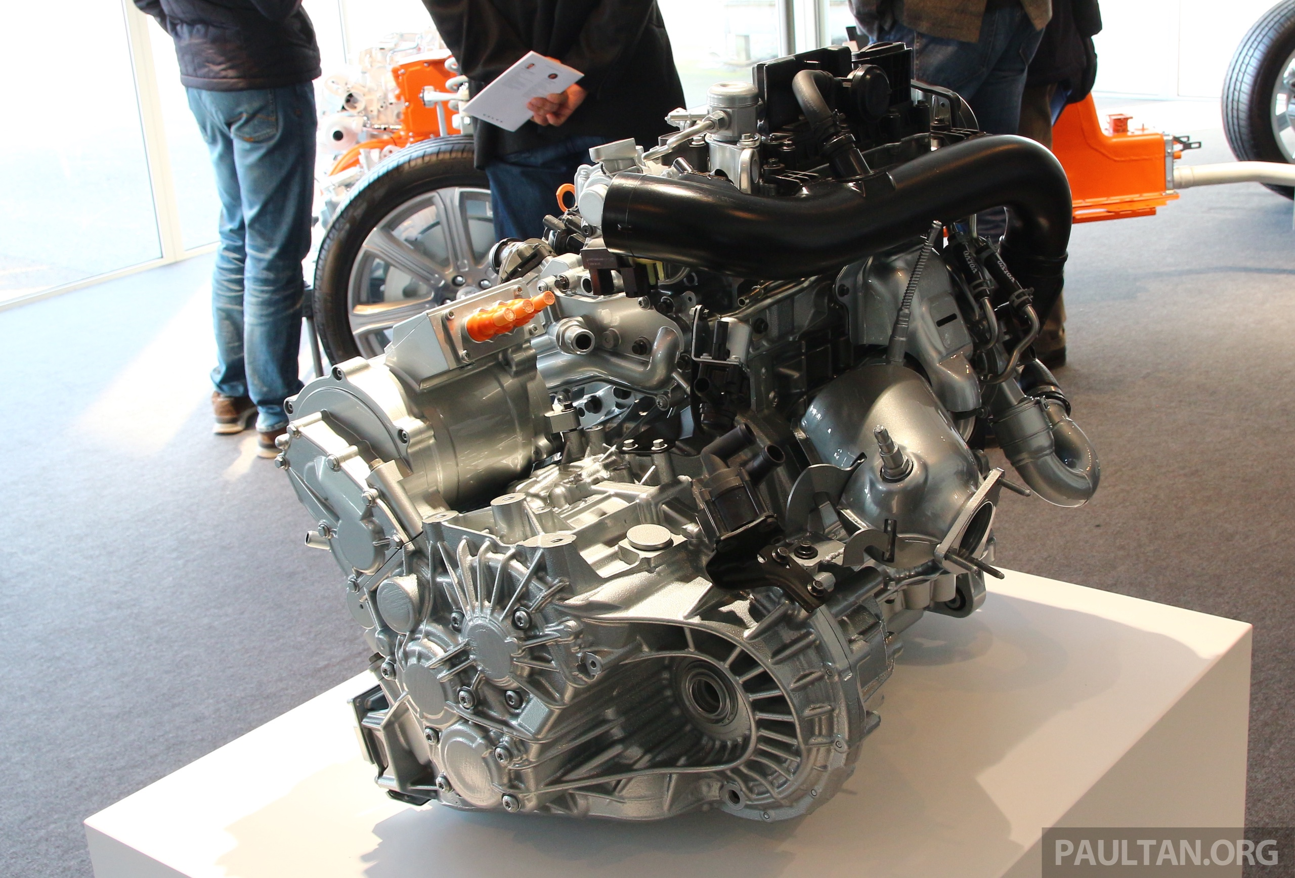 Volvo Details New 1 5 Litre Three Cyl T5 Twin Engine