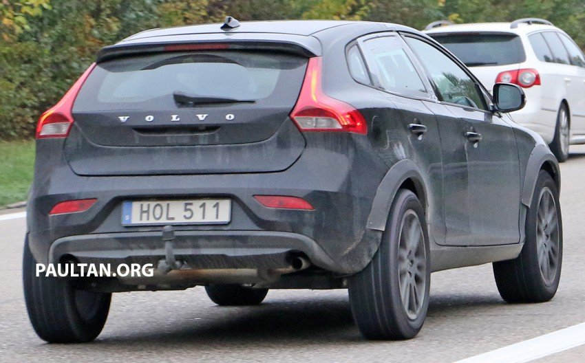 SPYSHOTS: Volvo XC40 compact SUV test mule Image #397415