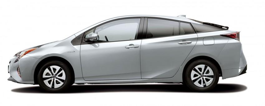 2016 Toyota Prius specs revealed – 40 km/l target FC Image #391836
