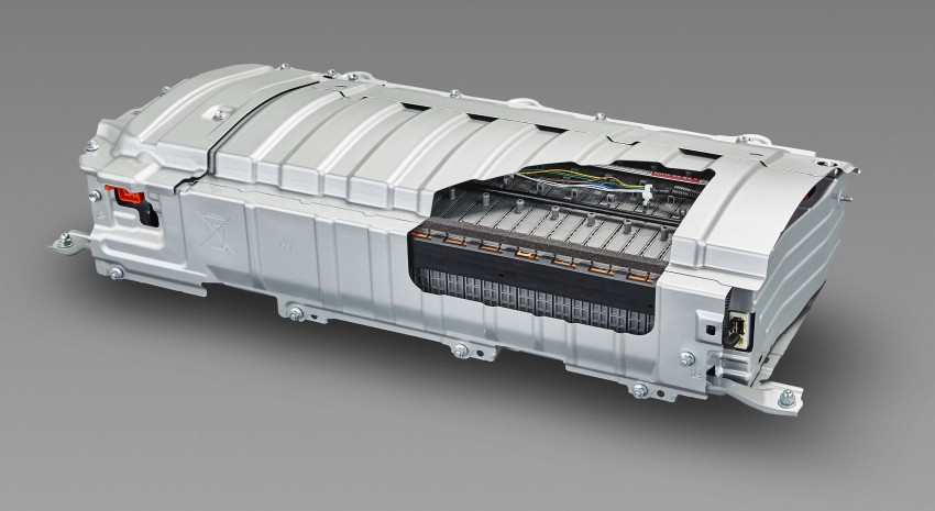 2016 Toyota Prius specs revealed – 40 km/l target FC Image #391848