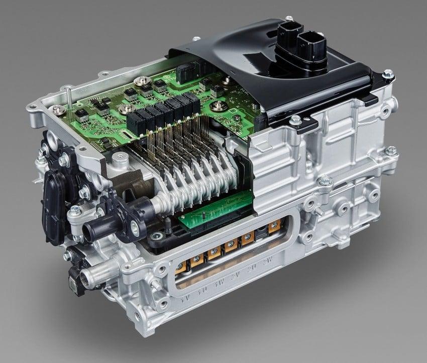 2016 Toyota Prius specs revealed – 40 km/l target FC Image #391855