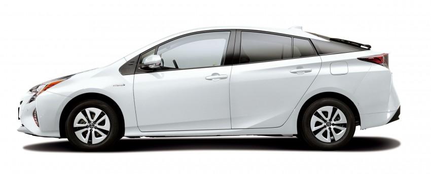 2016 Toyota Prius specs revealed – 40 km/l target FC Image #391867