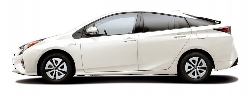 2016 Toyota Prius specs revealed – 40 km/l target FC Image #391868