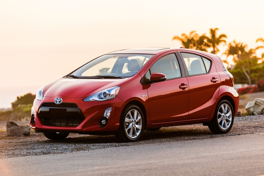 2016 Toyota Prius c gets Safety Sense, special edition Image #393662