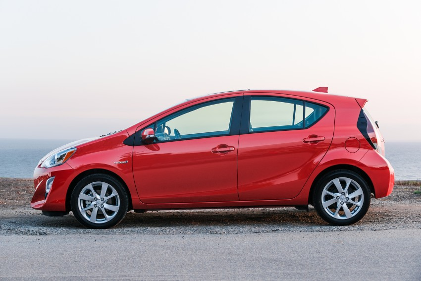 2016 Toyota Prius c gets Safety Sense, special edition Image #393663