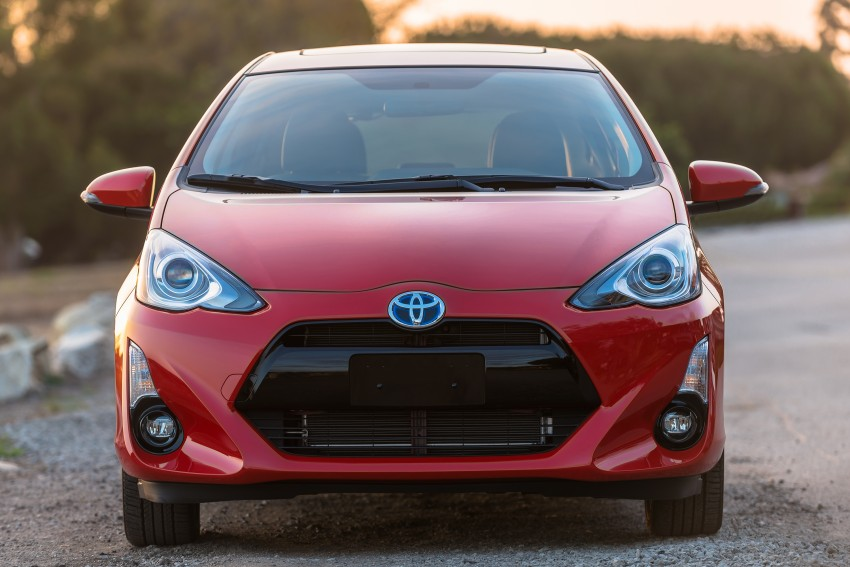 2016 Toyota Prius c gets Safety Sense, special edition Image #393664