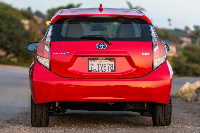 2016 Toyota Prius c gets Safety Sense, special edition Image #393665