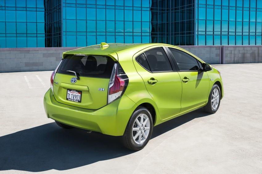 2016 Toyota Prius c gets Safety Sense, special edition Image #393668