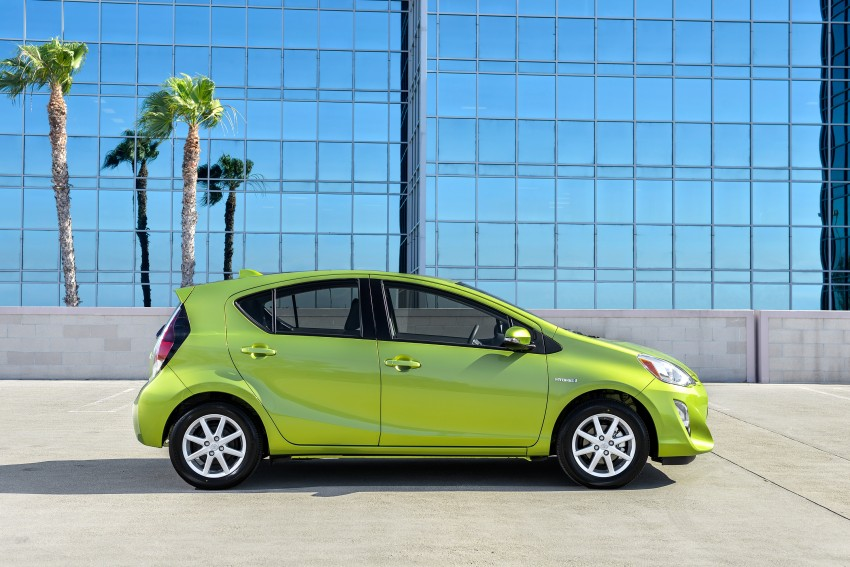 2016 Toyota Prius c gets Safety Sense, special edition Image #393669