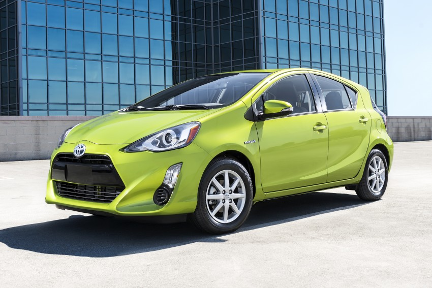 2016 Toyota Prius c gets Safety Sense, special edition Image #393670