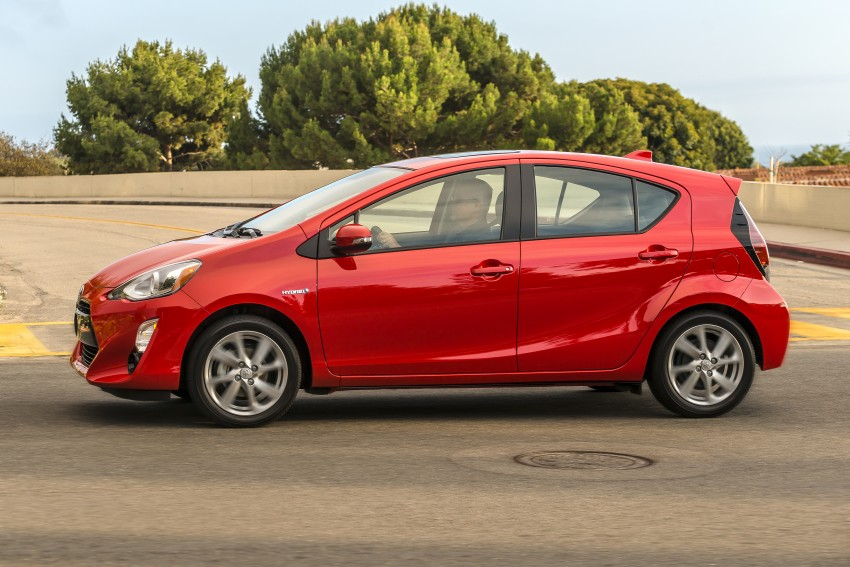 2016 Toyota Prius c gets Safety Sense, special edition Image #393673