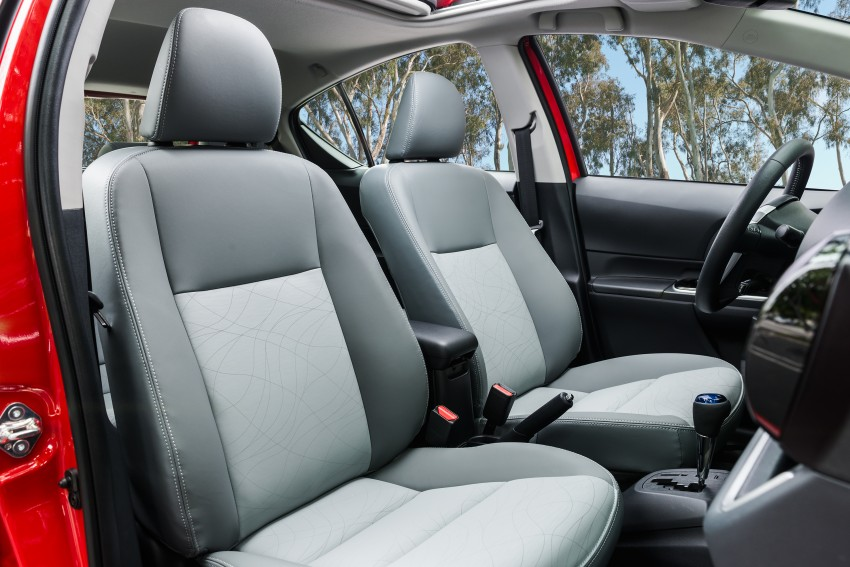 2016 Toyota Prius c gets Safety Sense, special edition Image #393684