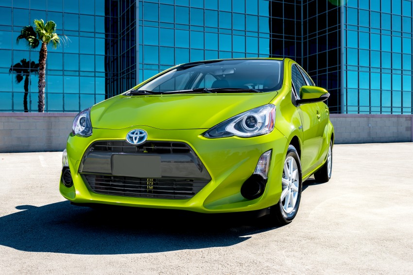 2016 Toyota Prius c gets Safety Sense, special edition Image #393693