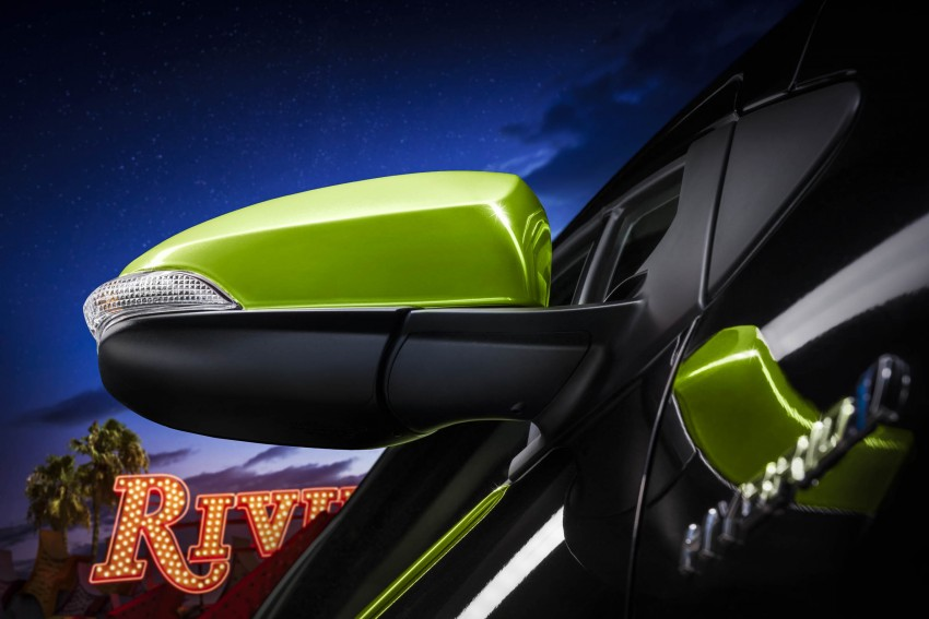 2016 Toyota Prius c gets Safety Sense, special edition Image #393699
