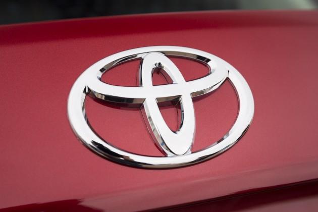 2016_Toyota_Yaris_Quebec-36