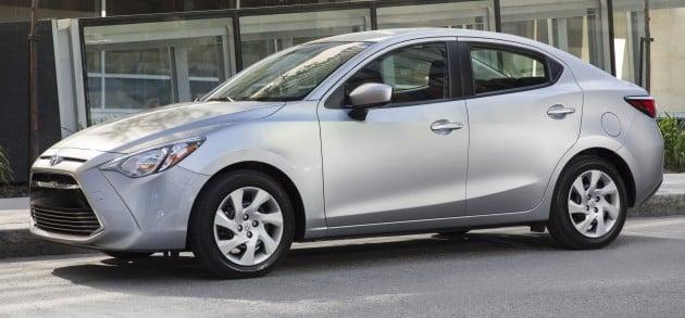 2016_Toyota_Yaris_Quebec-61