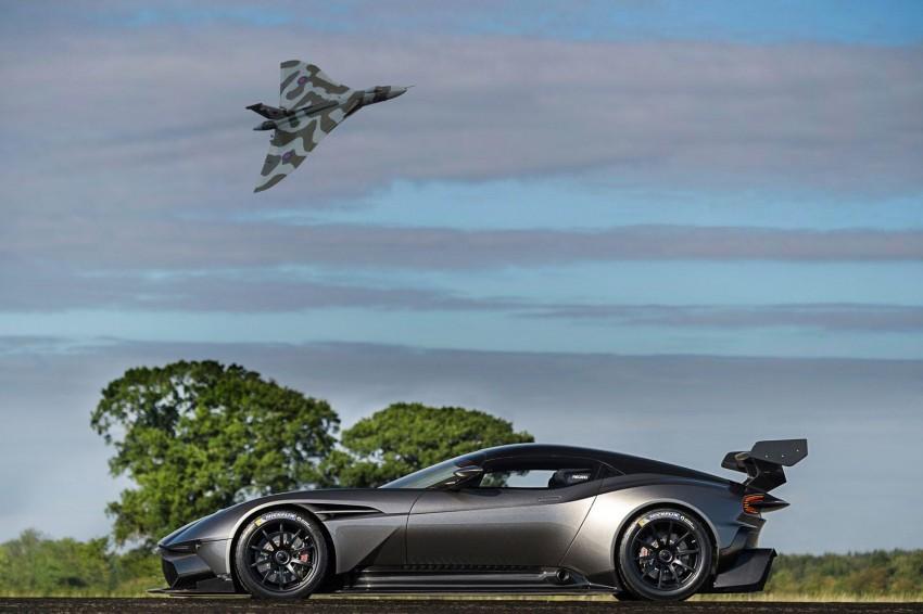 VIDEO: Aston Martin Vulcan pays visit to its namesake Image #387869