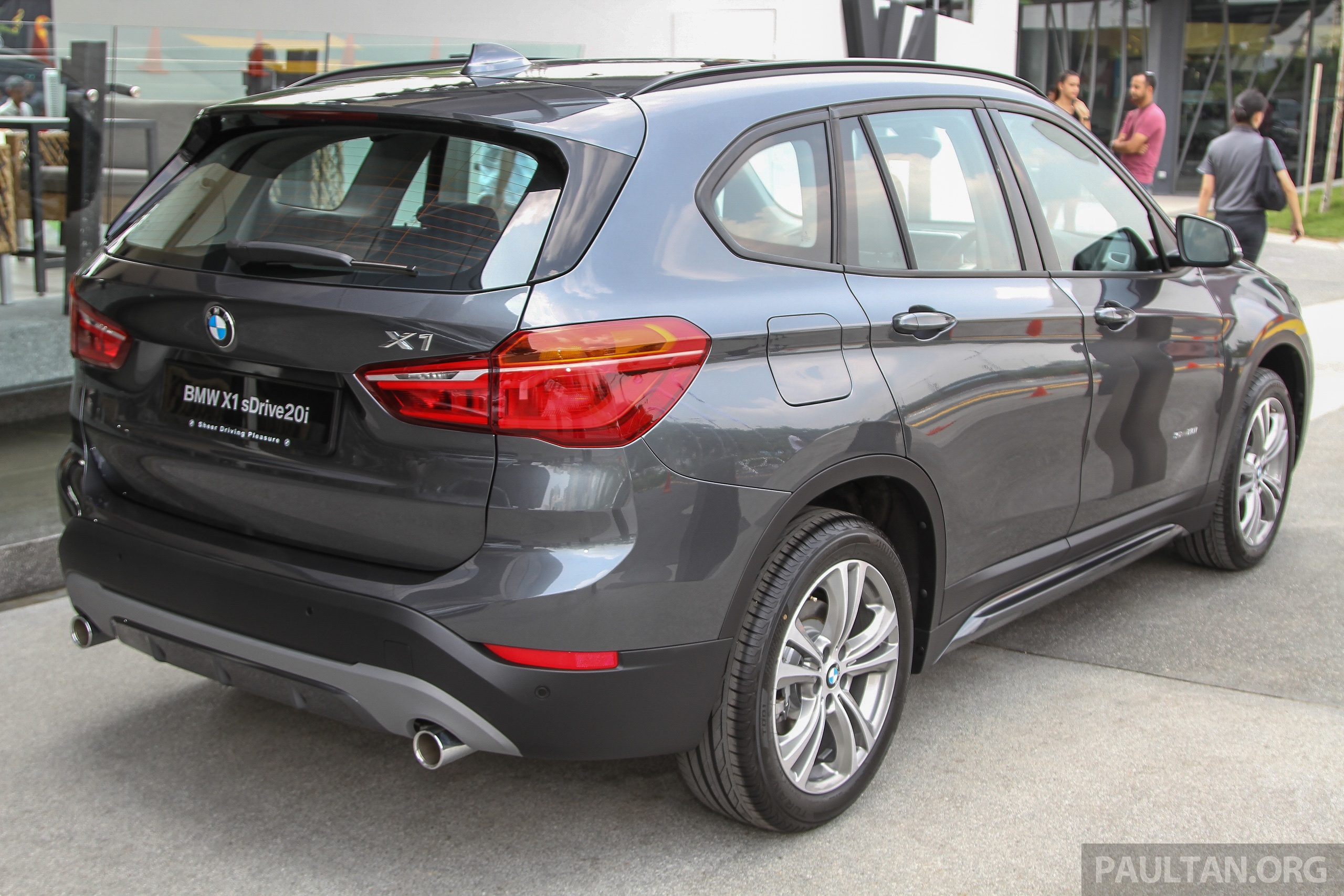 f48 bmw x1 sdrive20i launched in m sia rm280k image 390306. Black Bedroom Furniture Sets. Home Design Ideas