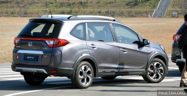 Honda BR-V drive Japan 2015-24